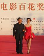黃建新、李沁代表《建黨偉業》劇組走上紅毯.jpg