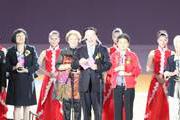 全國政協副主席、中國文聯主席孫家正宣布第21屆中國金雞百花電影節開幕.jpg