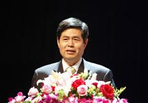 中國劇協分黨組書記、駐會副主席、第三屆校園戲劇節組委會副主任季國平講話並揭曉第三屆校園戲劇節、中國戲劇獎·校園戲劇獎評獎