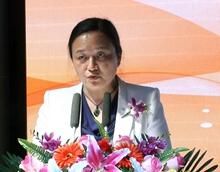 中國文學藝術基金會副秘書長郭希敏宣讀倡議書