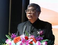 中國書法家協會顧問張飆在啟動儀式上講話