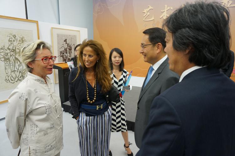 """""""艺术与和平""""国际巡展于西班牙盛大开幕"""