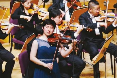 上海交响乐团演奏小提琴协奏曲 梁山伯与祝英台 祖忠人 摄